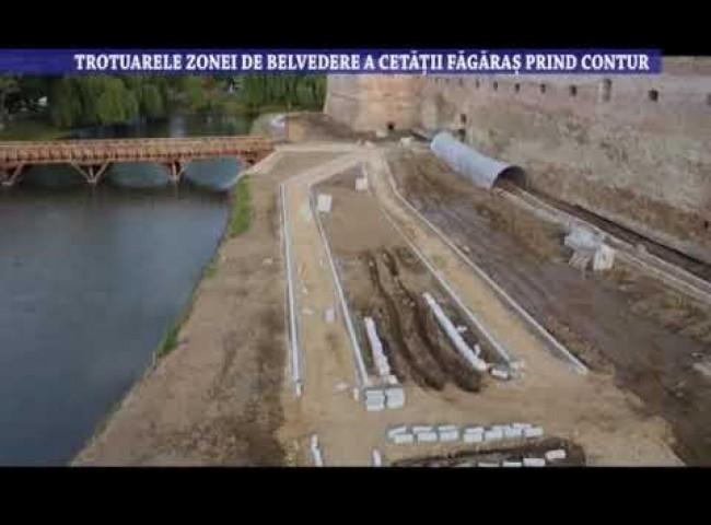 Trotuarele zonei de belvedere a Cetatii Fagaras prind contur – 9 iunie 2021